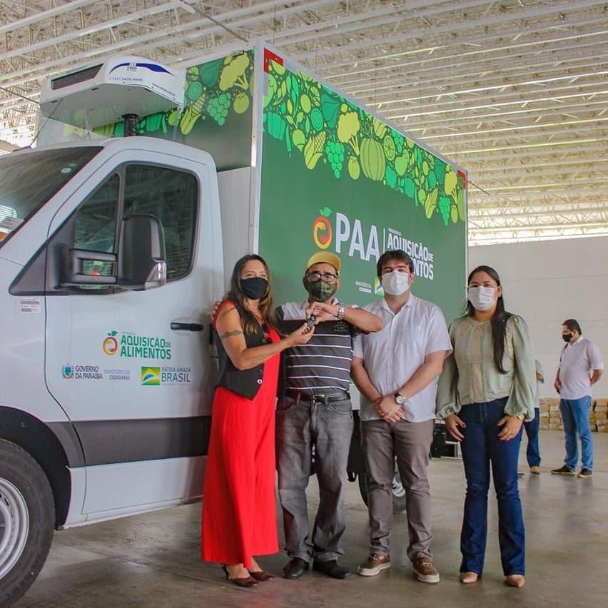 Boa Notícia!  Prefeito Xató recebe do Governo da Paraiba um Caminhão modelo refrigerador 0km e equipamentos provenientes do Programa de Aquisição de Alimentos (PAA) para fomento à agricultura familiar do município de Tacima.