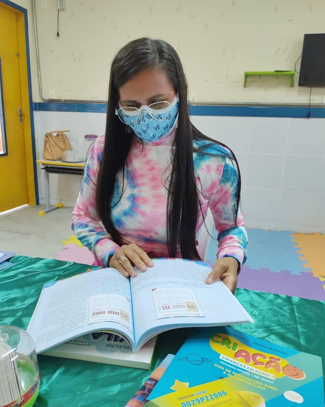 Professores da rede de ensino infantil participaram do Programa Nacional do Livro Didático (PNLD).